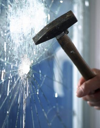Glasbruch, Versicherung, Einbruch, Scheibe, Schaden, Versicherungsschaden,