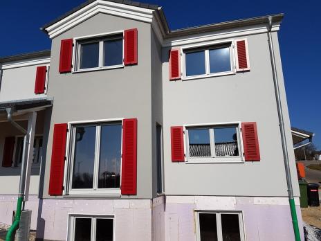Haas Fertighaus, Fensterladen Fertighaus, Alu Fensterladen, Schnellzarge, Fensterladen Rot,