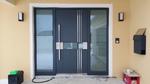 Haustüre anthrazit mit zwei Seitenteilen